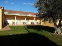 Terraza autònomos :: Residencia Tercera Edad El Jardí de l'Empordà - Vilamalla